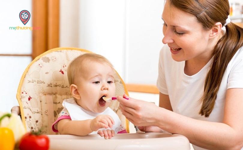 Bổ sung canxi cho bé gíup giảm tình trạng nôn trớ